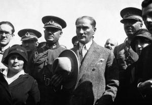 Kılık-Kıyafet Kanunu (Şapka Kanunu) 1925
